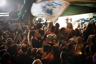 החגיגות במאהל שליט עם אישור הממשלה לעסקת השבויים (צילום: נועם מושקוביץ) (צילום: נועם מושקוביץ)