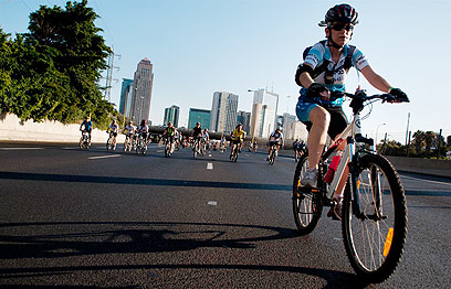 """לרוב רוכבי אופניים נוטים לסבול מתסמונת """"רגל בוערת"""" (צילום: ירון ברנר) (צילום: ירון ברנר)"""