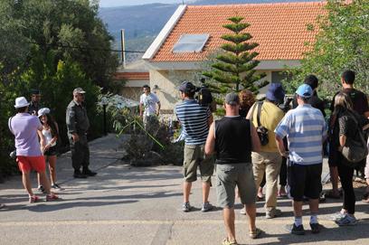 מחוץ למשפחת שליט במצפה הילה, היום (צילום: חגי אהרון) (צילום: חגי אהרון)