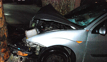 """רכבו של איהב. """"התאונה הזו היא גזירת אלוהים"""" (צילום: באדיבות אתר פאנט ) (צילום: באדיבות אתר פאנט )"""
