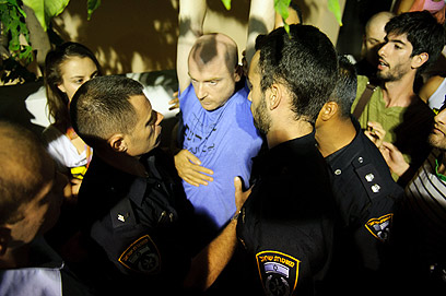 המשטרה שמרה על איפוק (צילום: בן קלמר) (צילום: בן קלמר)