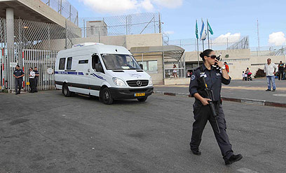 שחרור אסירות מכלא הדרים. לא כולן  כלולות בעסקה (צילום: עידו ארז) (צילום: עידו ארז)