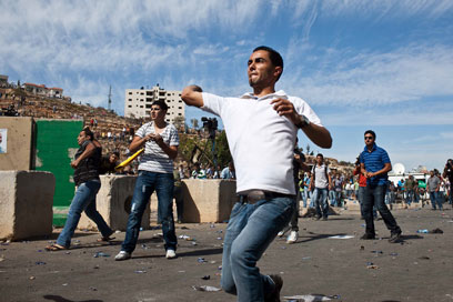 Palestinians hurl rocks at IDF troops near Ofer Base (Photo: Noam Moskowitz) (Photo: Noam Moskowitz)