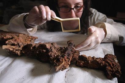 חרב בת כ-1,000 שנה התגלתה יחד עם עצמות הלוחם (צילום: gettyimages)