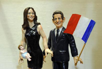 ברוני תטפל בתינוקת, סרקוזי יטפל בענייני המדינה (צילום: MCT) (צילום: MCT)