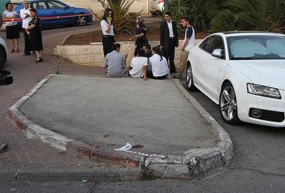 Scene of attack, Ramot Neighborhodd (Photo: Gil Yohanan)