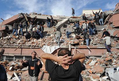 ההרס בלתי ניתן לעיכול. טורקיה, בצהריים (צילום: AP) (צילום: AP)