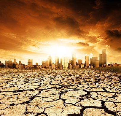 במלחמת גוג ומגוג או על ידי אמא אדמה? כל הדרכים כשרות לסוף העולם (צילום: shutterstock) (צילום: shutterstock)