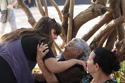 """""""שיתחילו לעבוד בשבילנו"""". מסיבת העיתונאים, היום בתל אביב (צילום: מוטי קמחי) (צילום: מוטי קמחי)"""