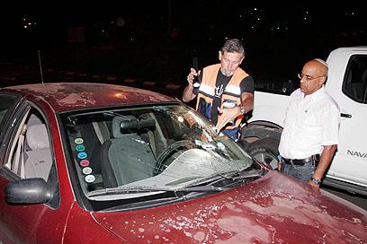 """מכוניתו של עמי. """"אמר שמטפלים בו ושיהיה בסדר"""" (צילום: אליעד לוי) (צילום: אליעד לוי)"""