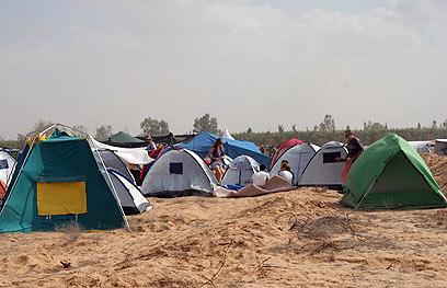 אוהלי האינדי בדרום. למה לא רוק דרומי בעברית?  (צילום: גליה שיזף) (צילום: גליה שיזף)