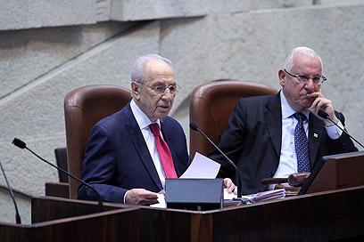 """הנשיא ויו""""ר הכנסת במליאה, בנאומיהם התייחסו למחאה החברתית (צילום: גיל יוחנן) (צילום: גיל יוחנן)"""
