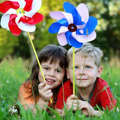 ללמד את הילד לבדוק: האם החבר נהנה מאותו הדבר? (צילום: shutterstock) (צילום: shutterstock)