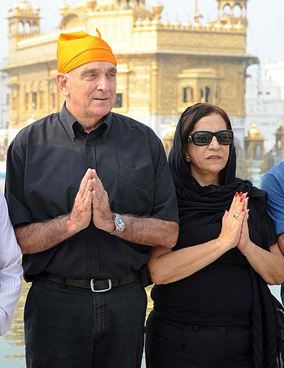 אהרונוביץ' ואשתו. אהבו את הטעמים המקומיים (צילום: AFP) (צילום: AFP)