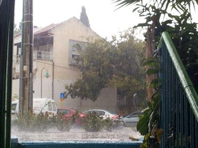 """סערה בכרמיאל (צילום: אחיה ראב""""ד ) (צילום: אחיה ראב"""