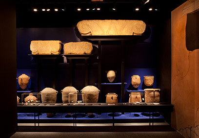 עתיקות בתצוגה החדשה  (צילום: מת'יו פייטון ) (צילום: מת'יו פייטון )