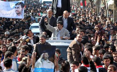 """אחמדינג'אד, היום. """"אנשי המשטר לחוצים מפגישות עם דיפלומטים"""" (צילום: רויטרס) (צילום: רויטרס)"""
