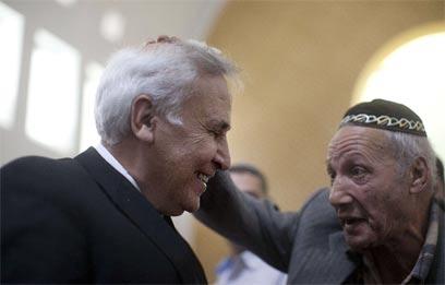 גם הברכות לא עזרו. קצב בבית המשפט (צילום: AFP) (צילום: AFP)
