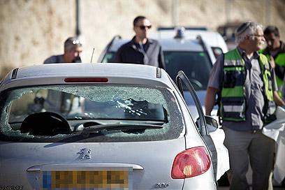 """המכונית לאחר הירי. צה""""ל הגדיר את האירוע כ""""כשל נקודתי"""" (צילום: נועם מושקוביץ) (צילום: נועם מושקוביץ)"""