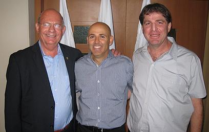 קליין, טוכמאייר ולביא בתמונה משותפת (צילום: באדיבות איגוד הטניס) (צילום: באדיבות איגוד הטניס)