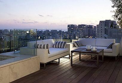 מנהטן בלילה. המרפסת (צילום: עדי גלעד) (צילום: עדי גלעד)
