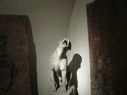 בקתדרלה נשמרים גם פסלים שהובאו מכנסיות. (צילומים: שלמה צדקיהו, טבע הדברים) (צילום: שלמה צדקיהו, טבע הדברים) (צילום: שלמה צדקיהו, טבע הדברים)