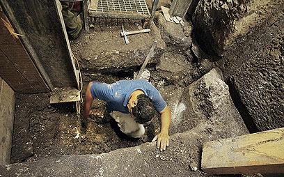 עבודות החפירה  (צילום: ולדימיר נייחין) (צילום: ולדימיר נייחין)