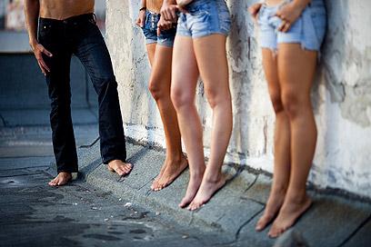 האם אדם באמת בוחר להיות קורבן? אילוסטרציה  (צילום: shutterstock) (צילום: shutterstock)