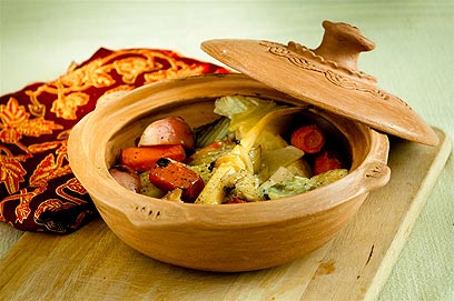 תבשיל ירקות שורש שהוכן בדיסט (צילום: ירון ברנר) (צילום: ירון ברנר)