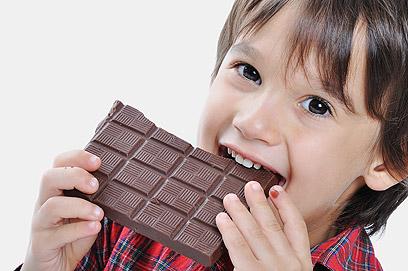 אולי במקום שוקולד תנסו פירות? (צילום: shutterstock ) (צילום: shutterstock )