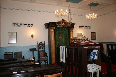 בית הכנסת - מבט מבפנים (צילום: טלי פרקש) (צילום: טלי פרקש)