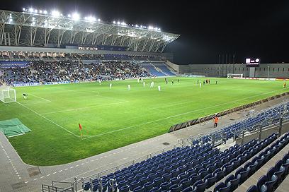 אצטדיון המושבה. בשביל מה צריך 10,000 מקומות? (צילום: אורן אהרוני) (צילום: אורן אהרוני)
