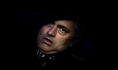 ברצלונה שוב הותירה אותו עם פה פעור. מוריניו (צילום: AP) (צילום: AP)