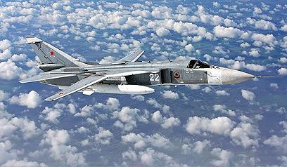 צבא סוריה נשען על ציוד סובייטי ישן. מטוס סוחוי 24 (צילום:  CC Russavia)