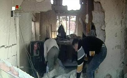 זירת אחד הפיצוצים בדמשק. רוב ההרוגים אזרחים ()