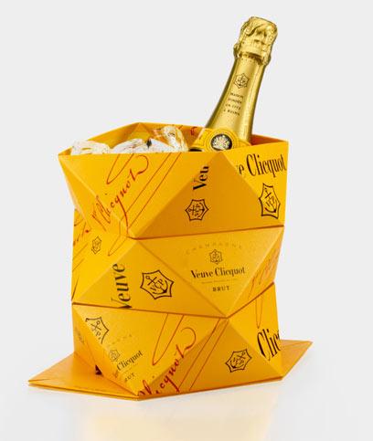 שמפניירת אוריגמי, וואלה יופי. וו קליקו והקליק'אפ (צילום: כריסטוף בייקר) (צילום: כריסטוף בייקר)