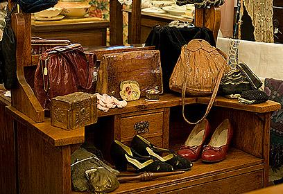 להיות כמו דורותי. מבחר נעליים משנות ה-30. מחירים: 380-350 (צילום: יונתן בלום) (צילום: יונתן בלום)