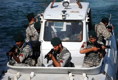 התרגיל האיראני במפרץ (צילם: EPA) (צילם: EPA)