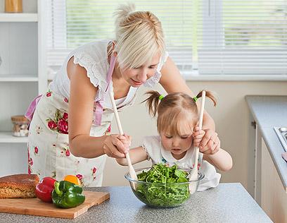 לרוב מי שמקפיד על דיאטה צמחונית יסבול פחות מהשמנה (צילום: shutterstock ) (צילום: shutterstock )