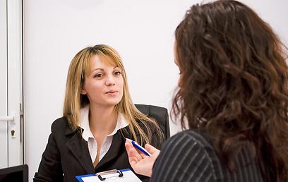 ההנחה היא ששילוב יותר נשים בעשייה הציבורית תשפיע לחיוב על דפוסי ההתנהלות ועל התדמית הירודה הכנסת והשלטון המקומי (צילום: shutterstock) (צילום: shutterstock)