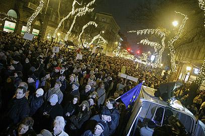 מפגינים בבודפשט השבוע. הגבלות על הפלות? (צילום: AFP) (צילום: AFP)