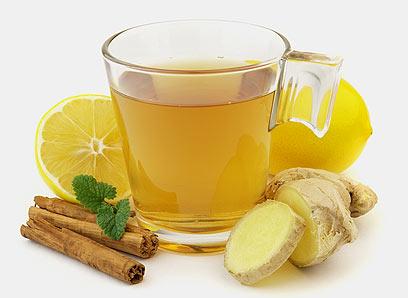 מומלץ: תה עם לימון ודבש, ג'ינג'ר, רוזמרין ומרווה (צילום: shutterstock) (צילום: shutterstock)
