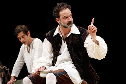 """""""גליליאו"""". אמיר קריאף ותום חגי מועמדים לפרסים (צילום: אייל לנדסמן) (צילום: אייל לנדסמן)"""