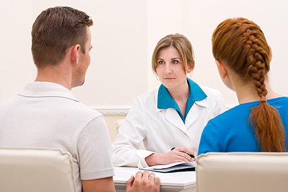 חייב להתקיים משולש של מטפל מיני, סרוגייט ומטופל (צילום: shutterstock) (צילום: shutterstock)