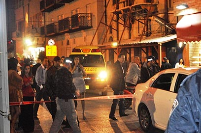זירת הרצח ביפו. הרוצח נעלם בין הבתים (צילום: yomnet.net) (צילום: yomnet.net)