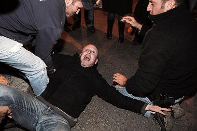 עימותים ומעצרים בהפגנה בתל-אביב (צילום: ירון ברנר) (צילום: ירון ברנר)
