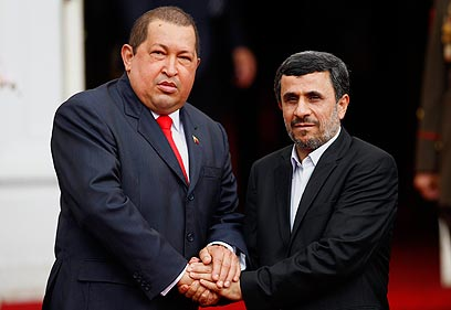 Chaves with Ahmadinejad on Monday (Photo: Reuters)
