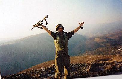 נלחם בלבנון. לפני הפציעה ()