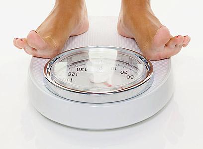 השלת המשקל המואצת במחזור הראשון נובעת מאובדן נוזלים (צילום: shutterstock )