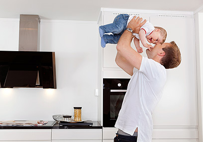כבר אי אפשר להיות אימפולסיבי כמו לפני הולדת הילדים (צילום: shutterstock) (צילום: shutterstock)